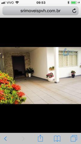 Excelente casa no bairro Nossa Sra. das Graças. Com 400m², a casa possuí três quartos gran