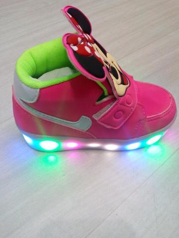 Tenis Mickey led