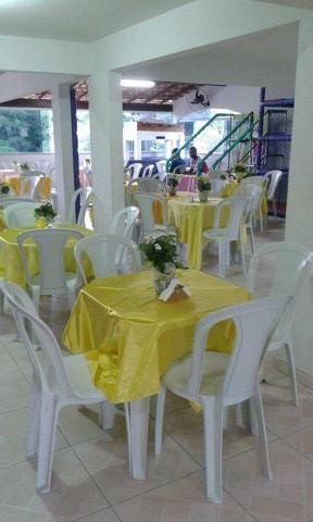 Aluguel de mesas e cadeiras *