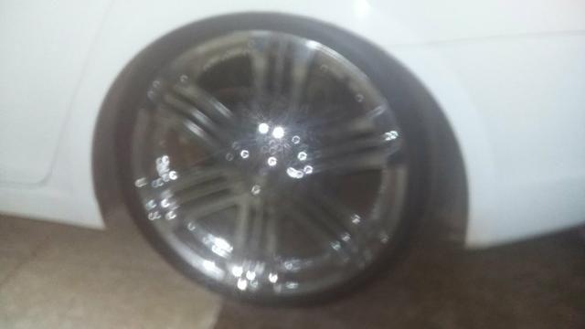 Vendo rodas aro 20.pneus 225/35.pneus todos novos - Foto 6
