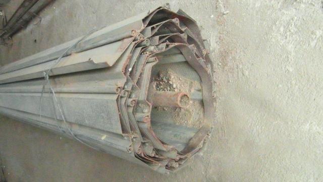 Porta de enrolar - metal - 2,35 m de largura - Foto 3