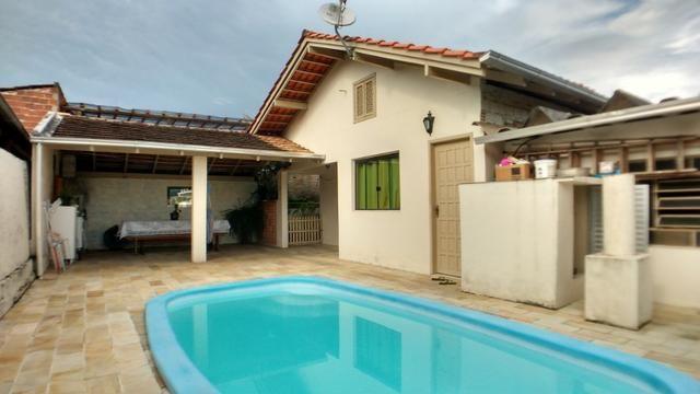 Excelente casa residencial com piscina no bairro Fortaleza: