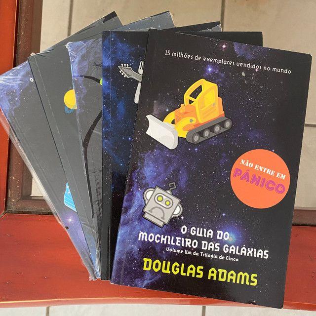 Kit GUIA DO MOCHILEIRO DAS GALÁXIAS por Douglas Adams