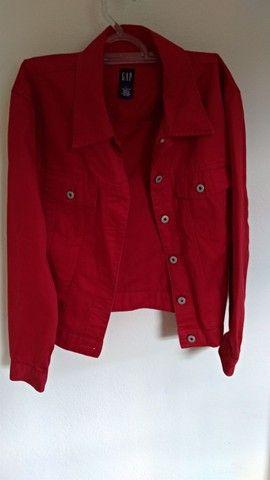 Jaqueta jeans Gap vermelha