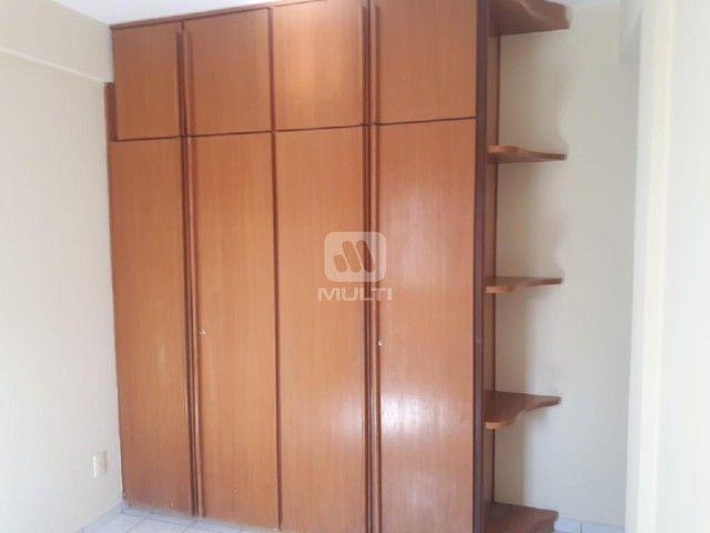 Apartamento para alugar com 3 dormitórios em Saraiva, Uberlândia cod:L13428 - Foto 4