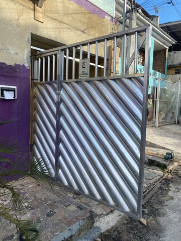 Portão de Garagem de  Alumínio