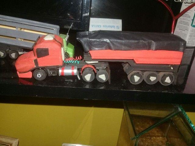 Miniatura da Scania 124 bicuda