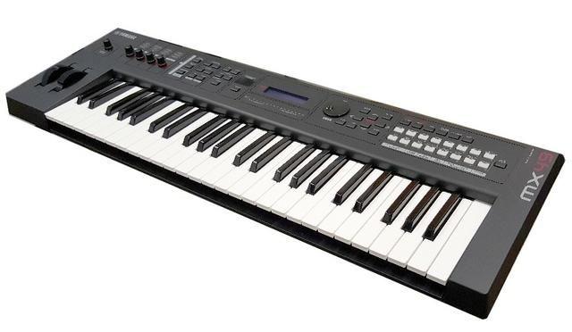 Yamaha Sintetizador MX49 Novo