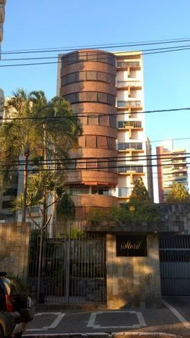 Apartamento na Alameda das Rosas
