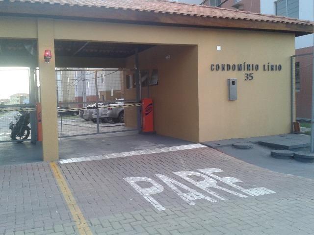 Aluga-se apartamento no condomínio Villa Jardim Lírio RS 800,00