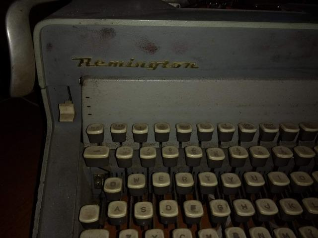 Maquina de escrever - Foto 6