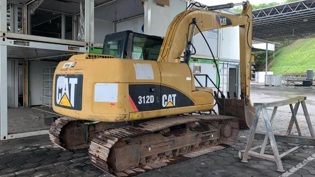 Escavadeira CAT 312D - ano 2012