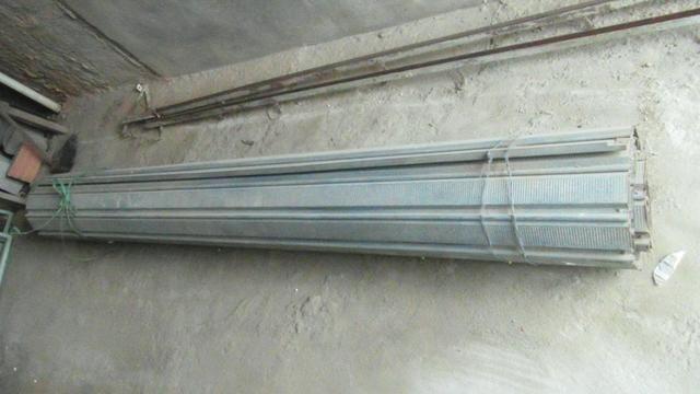 Porta de enrolar - metal - 2,35 m de largura - Foto 2