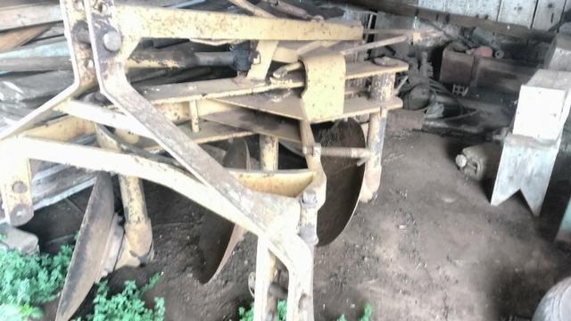 Trator MF 250 com implementos - Foto 5