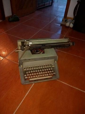 Maquina de escrever - Foto 5