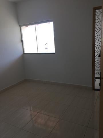 Carolina Parque Casa com varanda na frente com dois quartos sendo um suíte com ducha - Foto 12