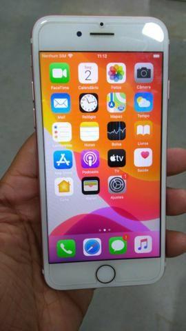 Vendo iphone 7 32gb novinho carregador aceito trocas