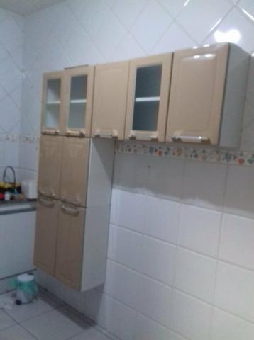 Armário de cozinha e geladeira frost free - Foto 3