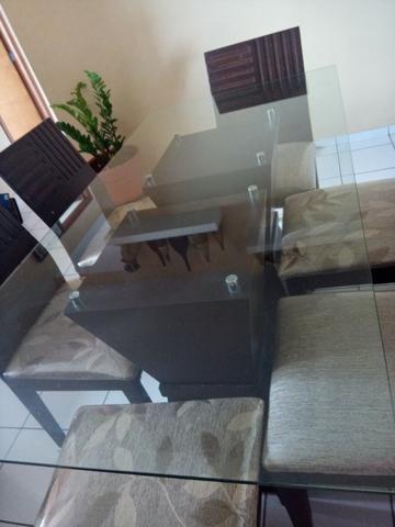 Mesa em madeira. Beleza e sofisticação. Urgente.R$ 600 tel. - Foto 5