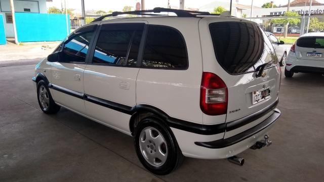 Chevrolet Zafira ZAFIRA 2.0 MPFI ELEGANCE 8V FLEX 4P MANUAL 4P - Foto 17