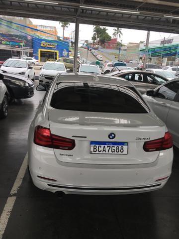 BMW 320i - Foto 8