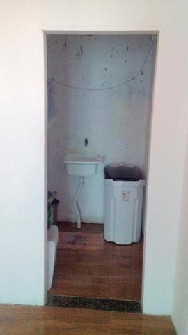Ap 2 quartos bem localizado - Foto 8