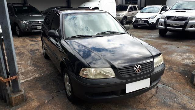 Vw - Volkswagen Gol 1.0 04 Portas - Foto 4