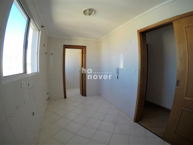 Apartamento 3 Dormitórios (1 Suíte), Sacada, Garagem, Elevador - Foto 5