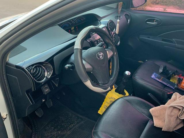 Vendendo Carro ETIOS XL SEDAN 1.5 FLEX 16V - Foto 2