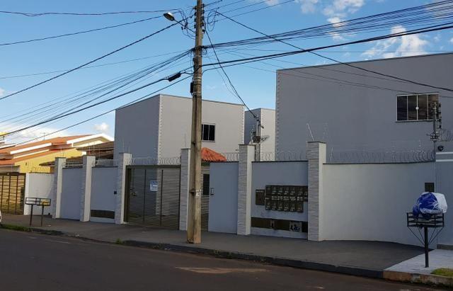 Alugo kitnet no setor universitário, Rio verde Goiás - Foto 2
