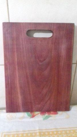 Vendo tabua de corte em madeira roxinho