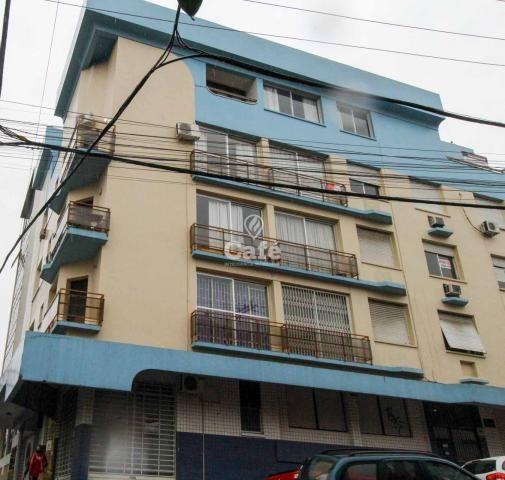 Apartamento com 3 dormitórios, sacada e 1 vaga de garagem