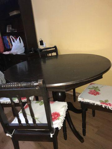 Mesa de madeira com 4 cadeiras (madeira maciça) - Foto 3