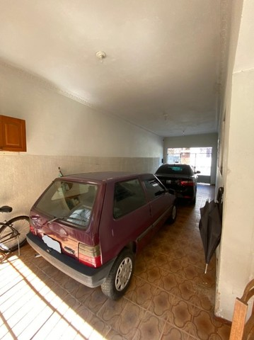 Casa 03 quartos, garagem para 02 carros, totalmente segura. Zé Garoto, Centro.