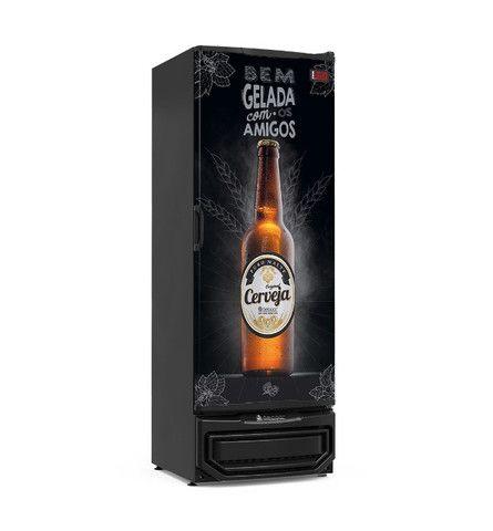 Cervejeira de 400 lts porta adesivada Arnildo