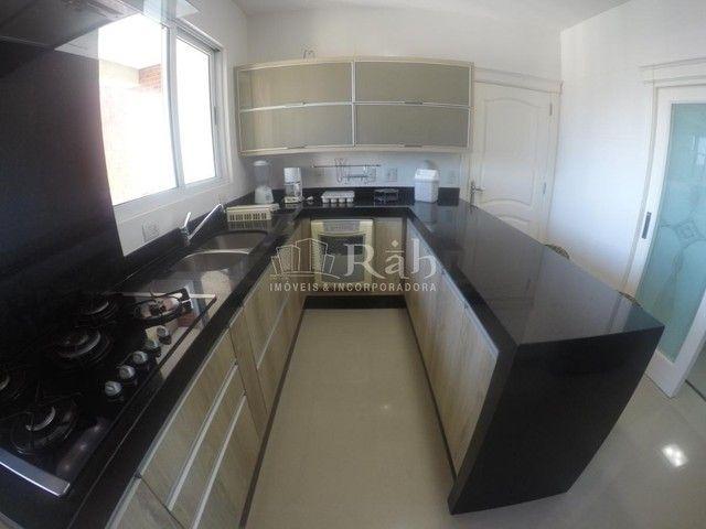 Apartamento a venda frente mar todo mobiliado no Edifício Beverly Hills na Barra Sul em Ba - Foto 2