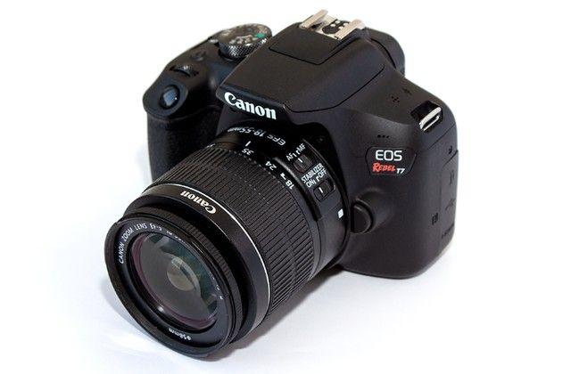 Canon Eos Rebel T7 com lente 18-55mm Is Ii 2500 Cliques