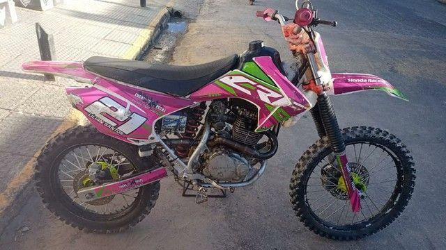 XR 200 com Roupa de CRF 230 - Foto 3