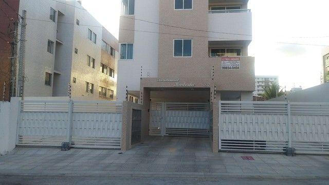 Aluga-se apartamento 2 qtos suíte no Altiplano