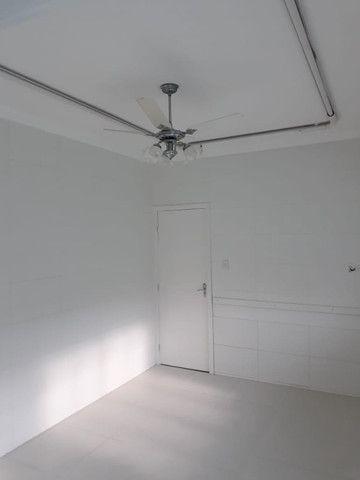 Alugo com 9 salas, ideal para clínicas, escritórios, consultórios, estéticas ... - Foto 2