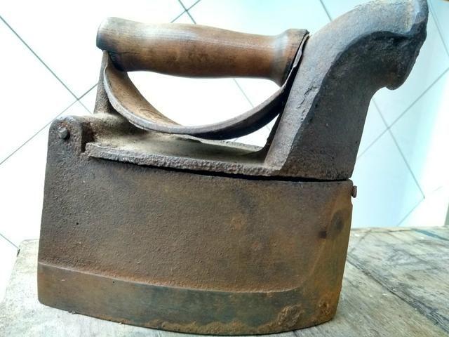 Ferro de passar roupas a carvão - Foto 3