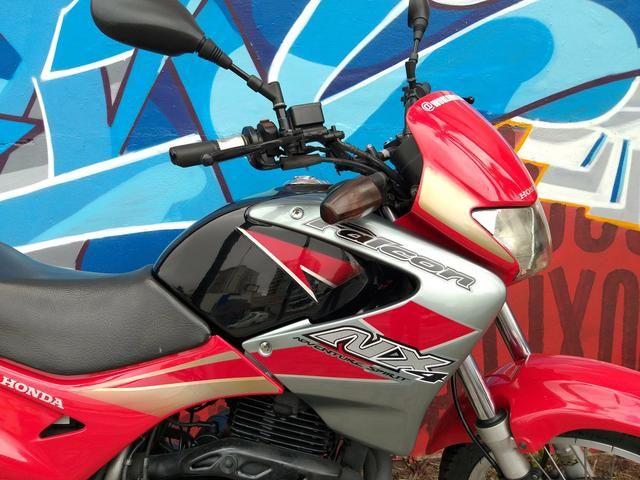 Honda nx4 falcon 2005 troco por moto de menor cilindrada - Foto 2