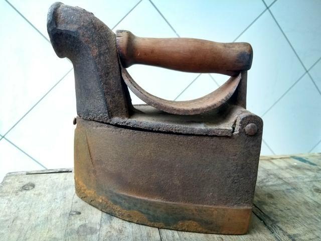 Ferro de passar roupas a carvão - Foto 4