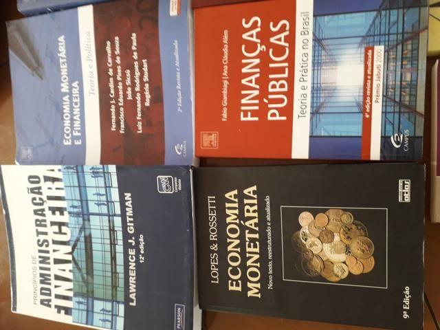 Livros Economia Administração Faculdade - Foto 3