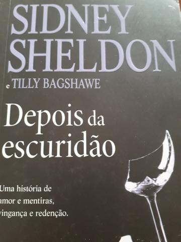 Livros Sidney Sheldon - Depois da Escuridão e A Senhora do Jogo - Foto 2