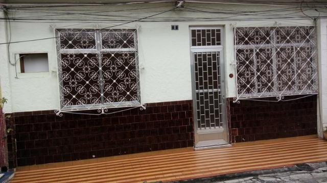 Alugo casa de Vila em Olaria