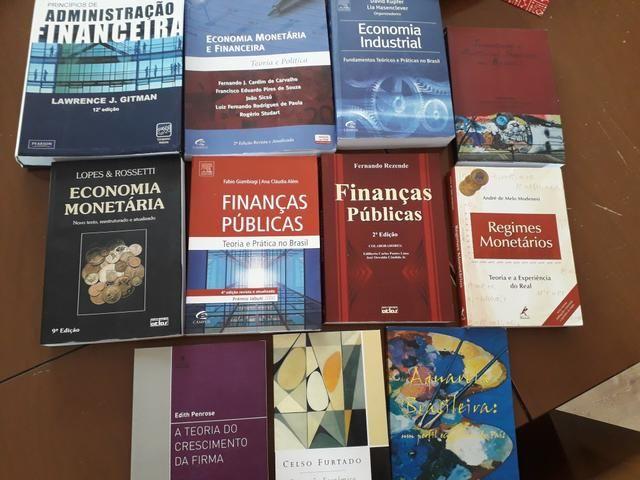 Livros Economia Administração Faculdade - Foto 2
