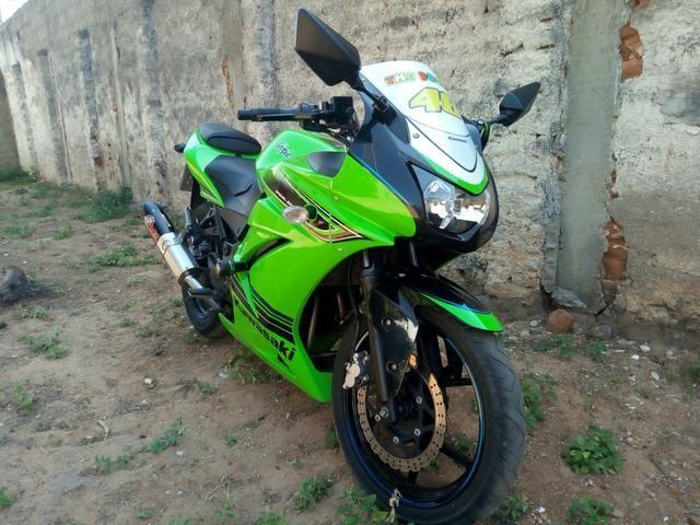 Ninja 250 vendo ou troco em moto do meu interese