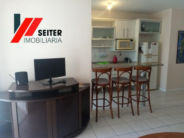 Apartamento mobiliado de 2 dormitorios suite e sacada com churrasqueira no itacorubi - Foto 11