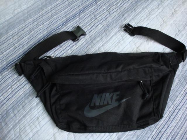 7900ce547630bf Pochete Original Nike Tech Hip Pack Preta Grande - Bolsas, malas e ...